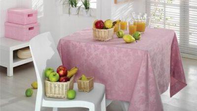 Yemek masası örtüleri