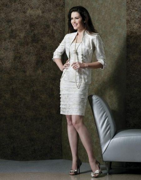 Beyaz takım elbise bayan yazlık takım elbise modeli
