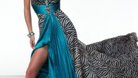 Yırtmaçlı Elbise Modelleri 2011 Yırtmaçlı Elbiseler